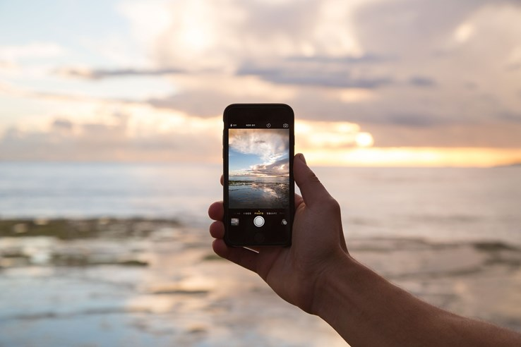 Tip 5: Send Photos and Updates to Friends & Family