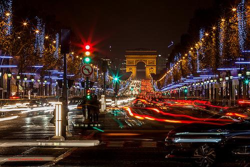 Traffic at the Champs-Élysées