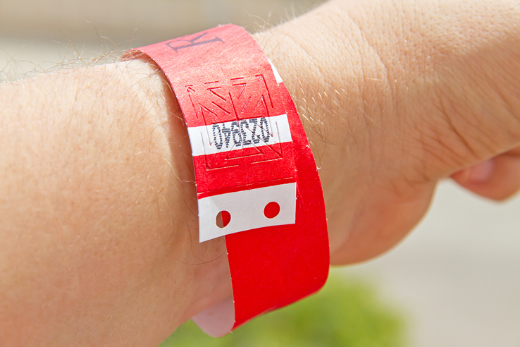 all-inclusive-holiday-wristband