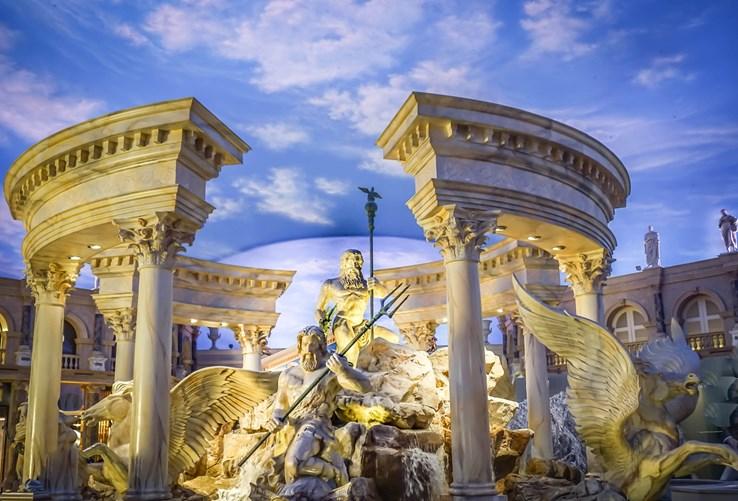Statue at Caesar's Palace   Las Vegas
